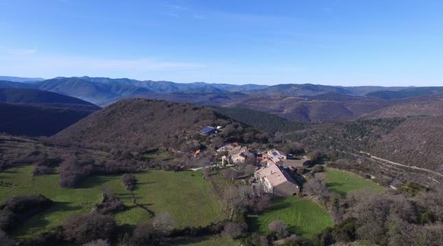 Vue aérienne des gîtes de Briandes
