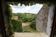 """Gîte """"Maison Sagne"""" proche Lodève, vu de la salle à manger"""